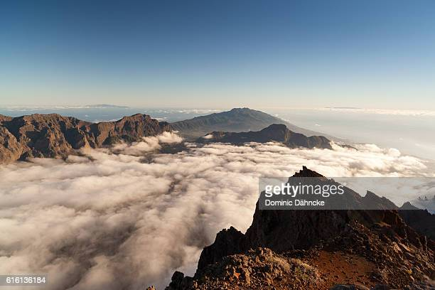 "view of ""cumbre vieja"" and ""cumbre nueva"" mountains (la palma island. canaries. spain) - national park stock pictures, royalty-free photos & images"