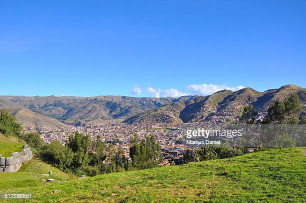 "view of cusco from sacsayhuaman, peru - ""markus daniel"" stock-fotos und bilder"