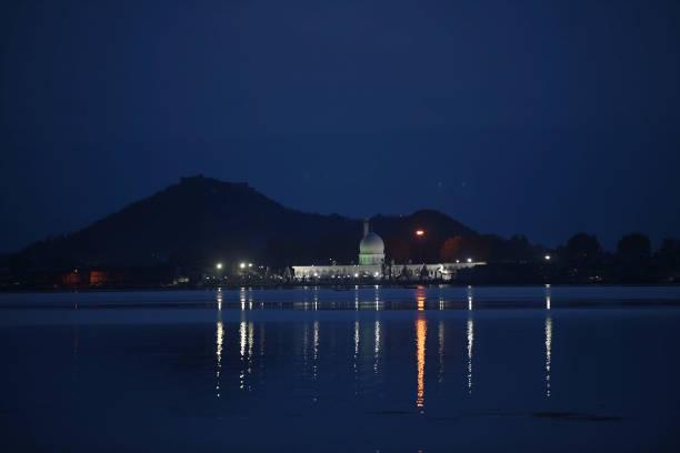IND: Srinagars Dargah Hazratbal Shrine Closed For Public On The Occasion Of Shab-e-Baraat Due To Coronavirus