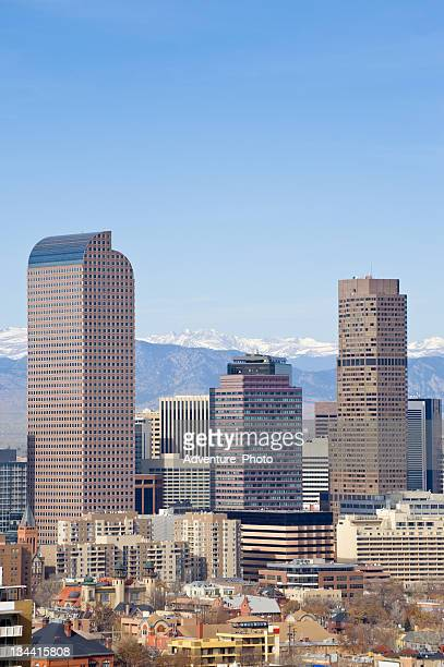 vue sur le panorama de denver, dans le colorado - denver photos et images de collection