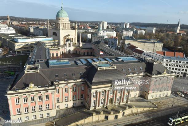 View of downtown with St. Nicholas' Church and the City Palace in Potsdam, Germany, 02 February 2016. Photo:BERNDSETTNIK/ZB | usage worldwide