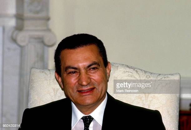 View of Egyptian President Hosni Mubarak in the White House's Oval Office during a state visit Washington DC January 28 1988