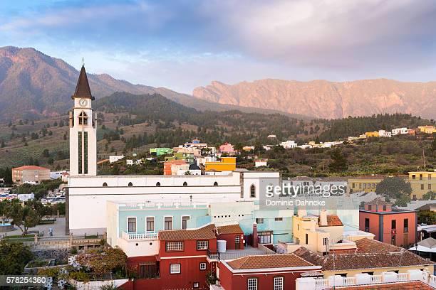 """view of """"el paso"""" town (la palma island. canaries. spain) - dähncke fotografías e imágenes de stock"""