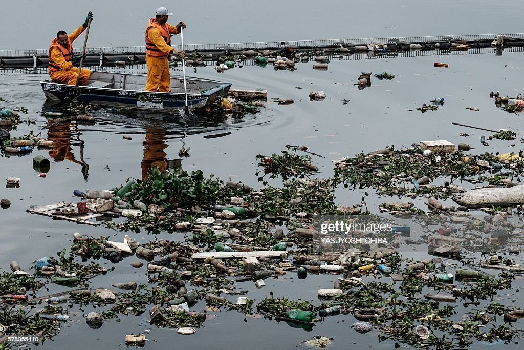 OLY-2016-RIO-GUANABARA BAY-POLLUTION : News Photo