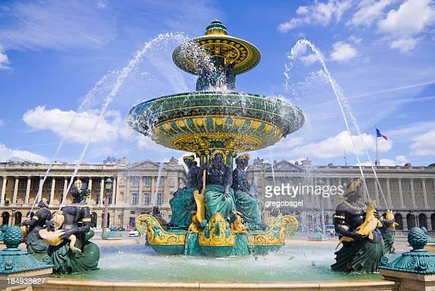 view of fontaine des mers at place de la concorde in paris - place de la concorde stock pictures, royalty-free photos & images