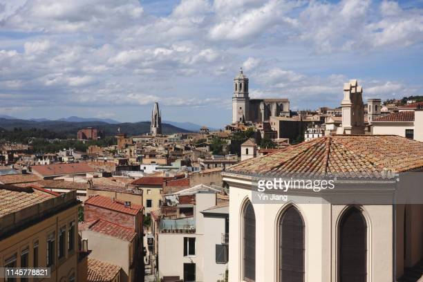 view of girona city and cathedral from above, catalonia, spain - gerona city stock pictures, royalty-free photos & images