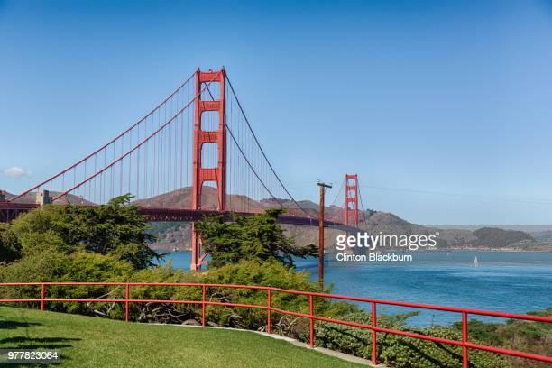 view of golden gate bridge, san francisco, california, usa - ponte sospeso foto e immagini stock