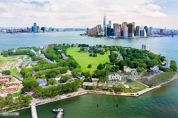 view of governors island and manhattan from air - governors island stock pictures, royalty-free photos & images