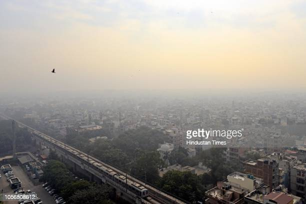 A view of heavy smog in national capital at Rajendra Nagar on November 3 2018 in New Delhi India In wake of rising pollution scenario the UP...