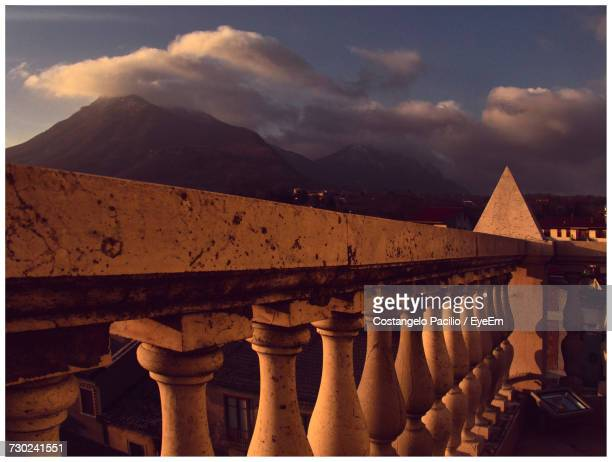 view of historical building against cloudy sky - costangelo pacilio foto e immagini stock