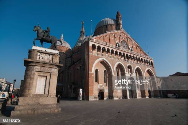 View of 'Il Santo' chuech next to the Antonio Ferrari restaurant on February 15, 2017 in Padova, Italy. The restaurant offers a 5% discount off the...