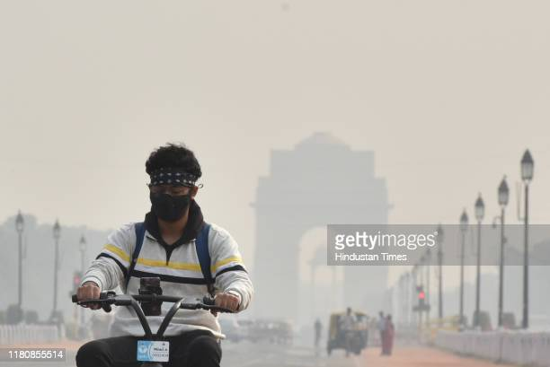 View of India Gate amid smog, on November 8, 2019 in New Delhi, India. A layer of smog blankets the national capital on November 08. Air quality of...