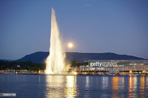 view of 'jet d'eau' fountain - geneva switzerland stock pictures, royalty-free photos & images