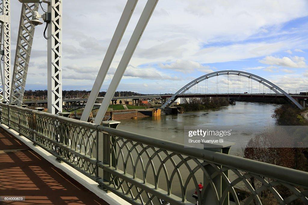 View of Korean Veterans Boulevard Bridge : Stock Photo