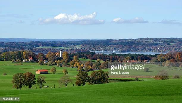 view of lake starnberg, holzhausen, upper bavaria, bavaria, germany - starnberg photos et images de collection