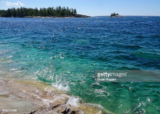 view of lake superior, agawa rock trail, lake superior provincial park, ontario - lake superior provincial park stock pictures, royalty-free photos & images
