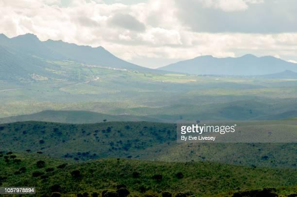 view of layered mountains - extremadura fotografías e imágenes de stock