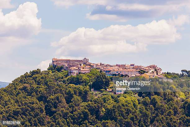 view of le castellet village, cote d'azur, france - le castellet var stock pictures, royalty-free photos & images