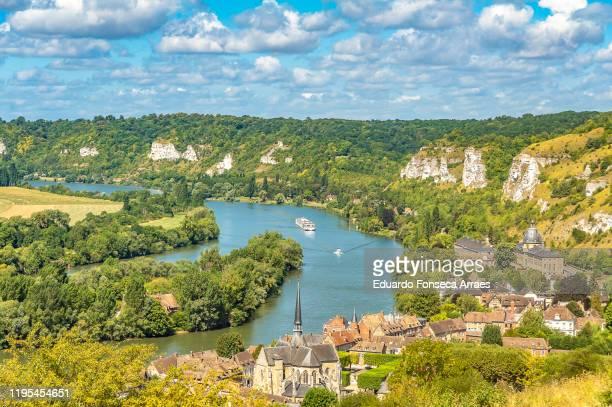 view of les andelys town and the seine river - haute normandie stockfoto's en -beelden