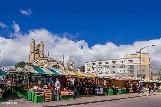 view of market square - cambridge inghilterra foto e immagini stock