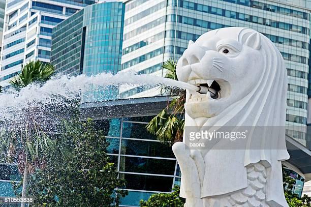 噴水の眺めがシンガポールのマーライオン
