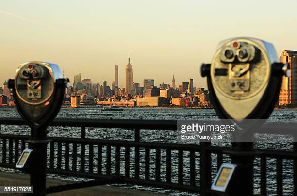 view of midtown manhattan skyline - river hudson stock pictures, royalty-free photos & images