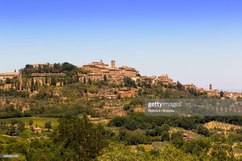 view of Montepulciano, Tuscany : Stock-Foto