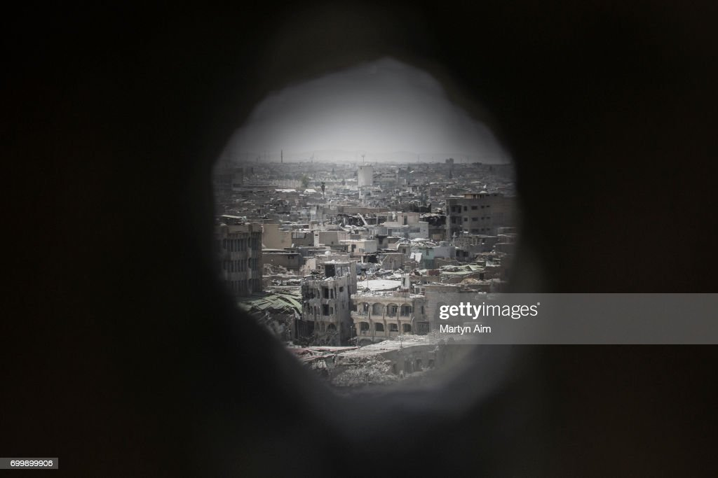 Iraqi forces Advance On ISIS In Mosul : News Photo