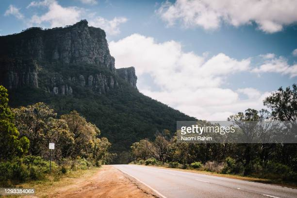 view of mount abrupt (mud-dadjug) in grampians national park, victoria, australia - national park stock pictures, royalty-free photos & images