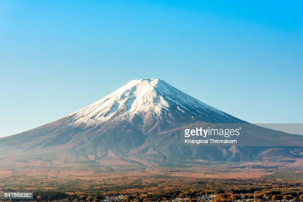 view of mount fuji in japan. - shizuoka stock photos and pictures