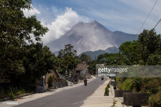 View of Mount Merapi with smoke from Glagaharjo Village Based on information from the Institute for Investigation and Development of Geological...