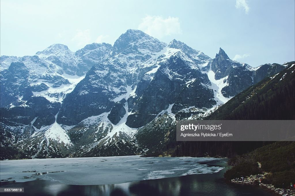 View Of Mountain Lake With Ice : Foto stock