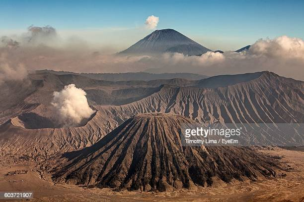 view of mt bromo - bromo crater stock pictures, royalty-free photos & images