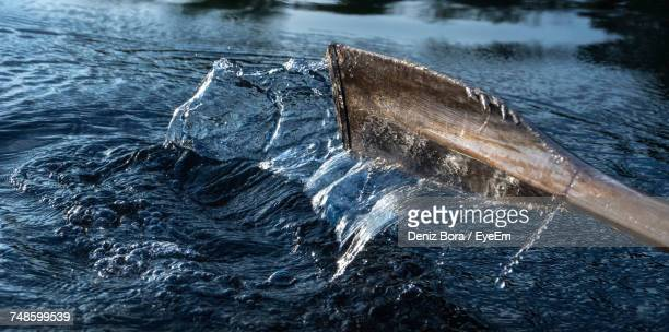 view of oar in water - paddle stock pictures, royalty-free photos & images