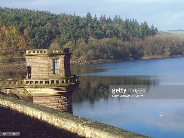 view of observation point at lakeside - dave ashwin stock pictures, royalty-free photos & images