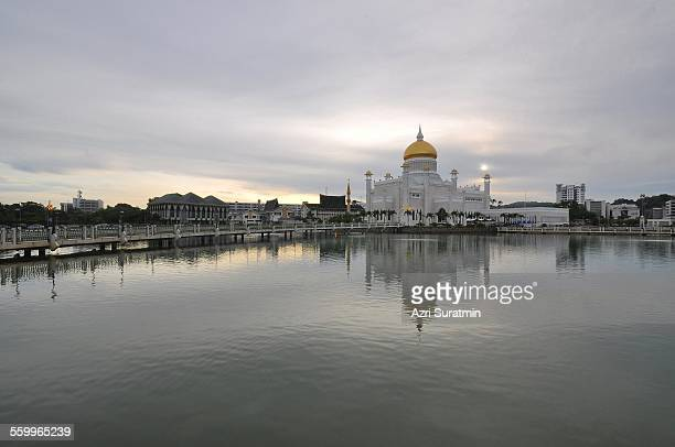 view of omar ali saifuddien mosque - bandar seri begawan stock photos and pictures