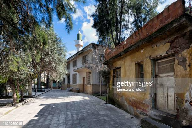 view of patlicanlı mosque and garden in izmir - emreturanphoto stock pictures, royalty-free photos & images
