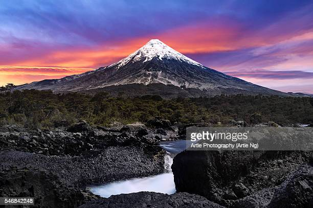 view of petrohue falls (saltos del petrohue) and osorno volcano in the background, vicente perez rosales national park, patagonia, chile, south america - petrohue river stock photos and pictures