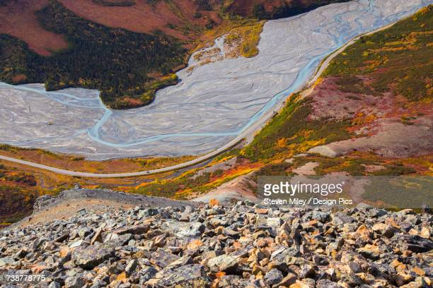view of phelan creek and the richardson highway in autumn from high up on rainbow ridge in the alaska range - miley fotografías e imágenes de stock