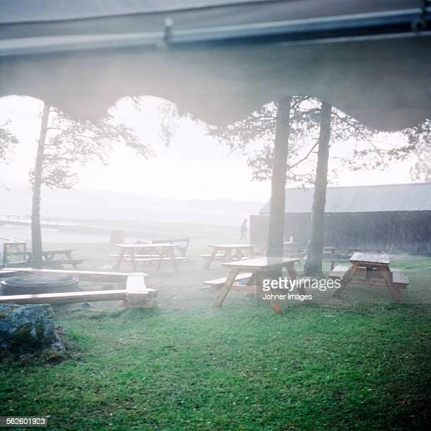 view of picnic area - レクサンド ストックフォトと画像