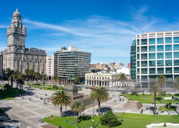 view of plaza independencia (independence square) in montevideo downtown, uruguay - montevideo stock pictures, royalty-free photos & images