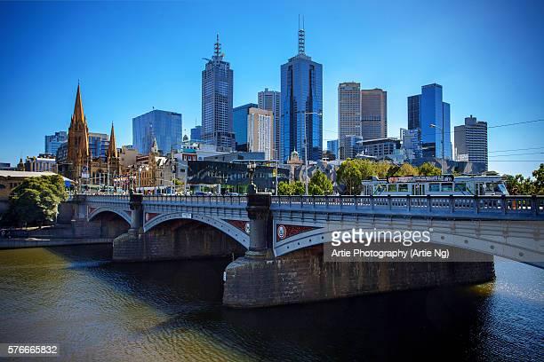 View of Princes Bridge Spanning the Yarra River and the City Skyline of Melbourne CBD, Victoria, Australia