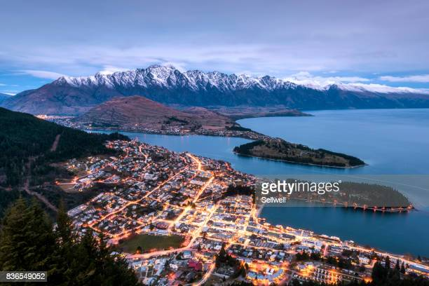 view of queenstown - great dividing range stock-fotos und bilder