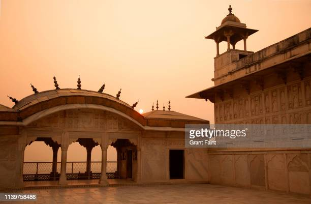 a view of red fort rooftop - palace stock pictures, royalty-free photos & images