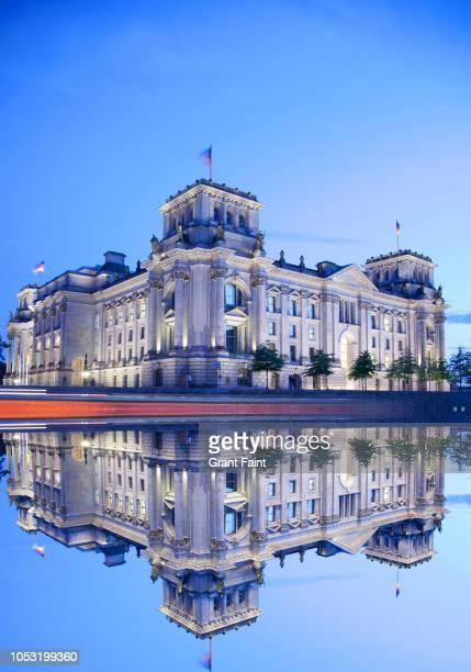 view of reichstag building - demokratie stock-fotos und bilder