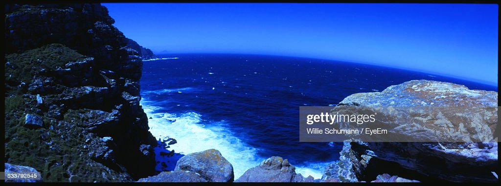 View Of Rocky Coastline At Day : Foto stock