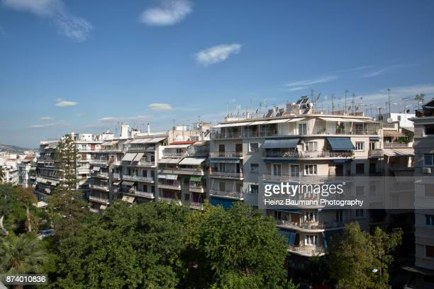 view of rooftops of athens in the early morning, greece - heinz baumann photography stock-fotos und bilder