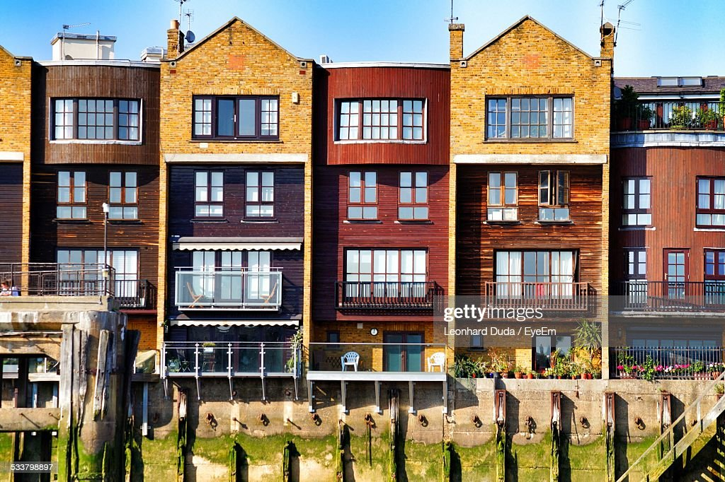 View Of Row Houses On Sunny Day : Foto stock