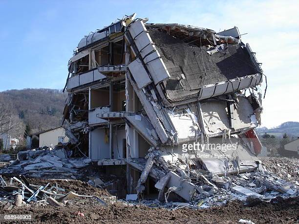 view of ruined building - earthquake stock pictures, royalty-free photos & images