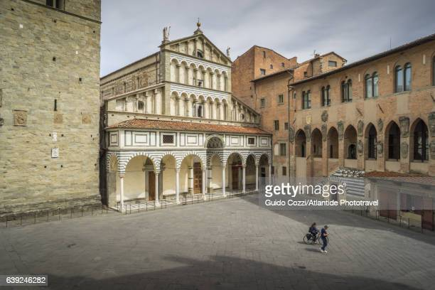 view of san zeno cathedral - cathedral stock pictures, royalty-free photos & images